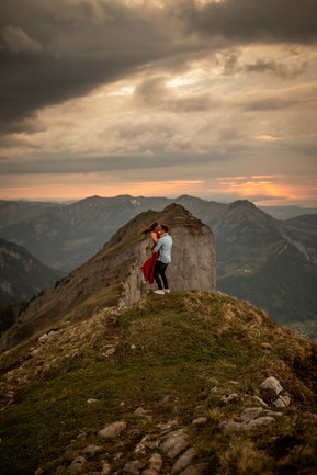 beautiful engagement photo in the mountaisn