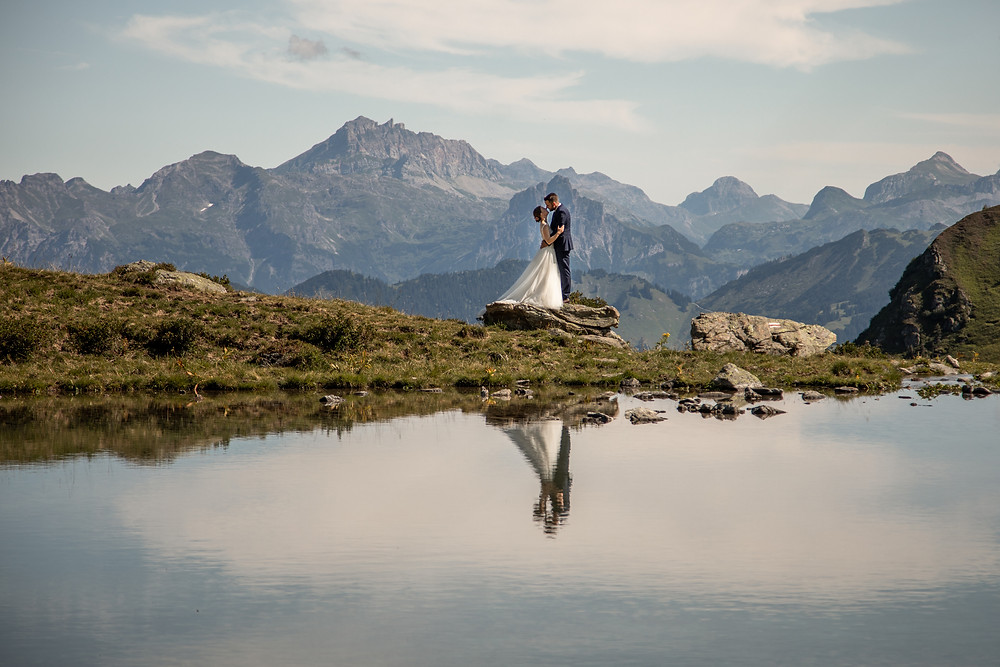 Adventure Elopement Wedding Photos in the Mountains of Montafon, Vorarlberg || Wild Embracel | Weddingphotography Austria | Europe || www.wildembrace.photo