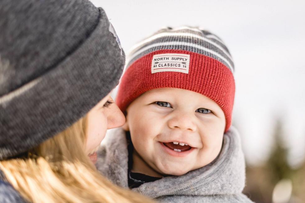 Mutter Kinder Fotoshooting im Schnee
