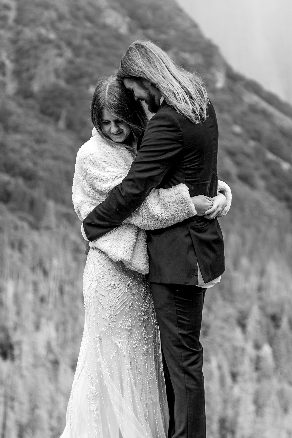 elope in the Yosemite national park