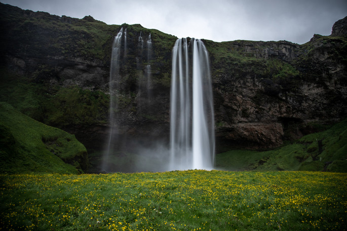Seljalandsfoss Wasserfall in Island || Bohoray - Abenteuer Hochzeits und Elopement Fotografin Island - Victoria Rüf  || www.bohoray.com
