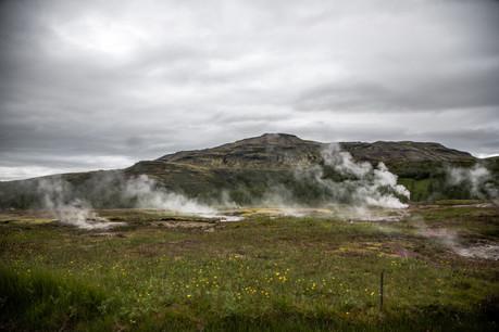Geysir Geothermal Gebiet am Golden Circle in Island || Bohoray - Abenteuer Hochzeits und Elopement Fotografin Island - Victoria Rüf  || www.bohoray.com