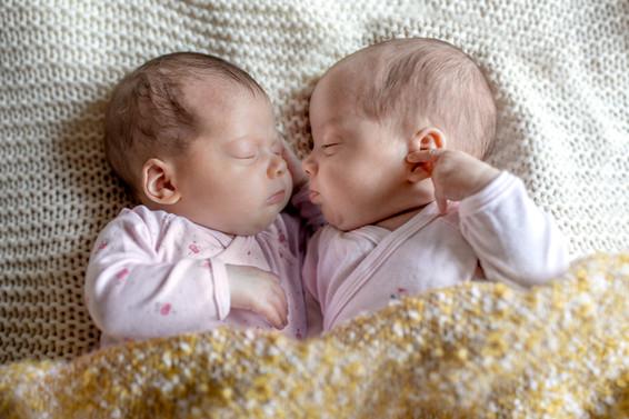 Neugeborenen Zwillings Foto