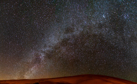 epic nightsky ofer the sahara desert | Travel and Landscape Photography in Morocco Africa || Bohoray - Adventure Elopement and Wedding Photographer - Victoria Ruef || www.bohoray.com