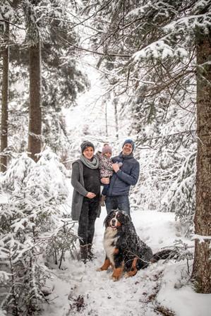 Familienfotos im Schnee