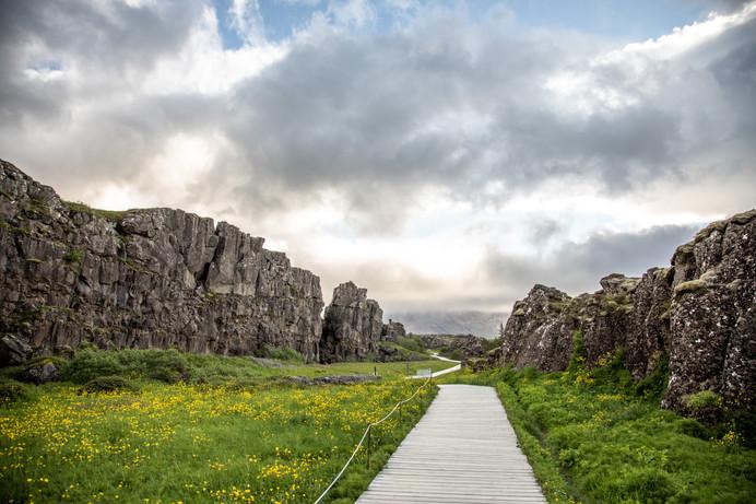 Pingvellir am Golden Circle in Island || Bohoray - Abenteuer Hochzeits und Elopement Fotografin Island - Victoria Rüf  || www.bohoray.com