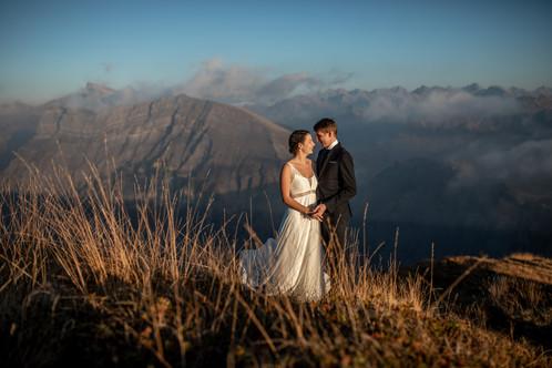Atemberaubende Hochzeitsfotos mitten in den Vorarlberger Bergen, Hochzeitsfotografin Österreich || Bohoray - Abenteuer Hochzeits- und Elopementfotografin Victoria Rüf || www.bohoray.com