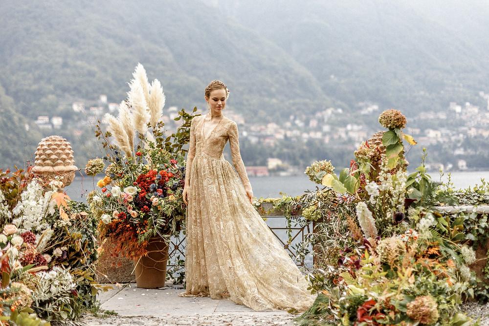 heiraten mal anders mit ganz vielen Blumen am Comosee