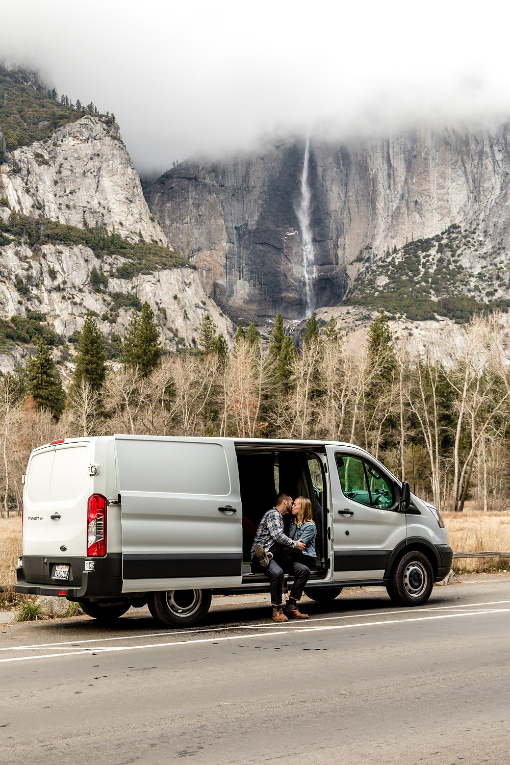 Vanlife in Yosemite Nationalpark | Adventure Engagement Photos and Elopement Photographer California