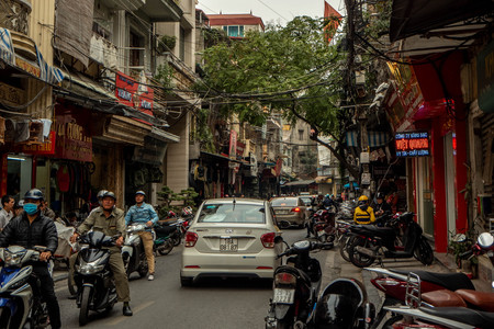 the traffic in Hanoi in Vietnam is chaotic