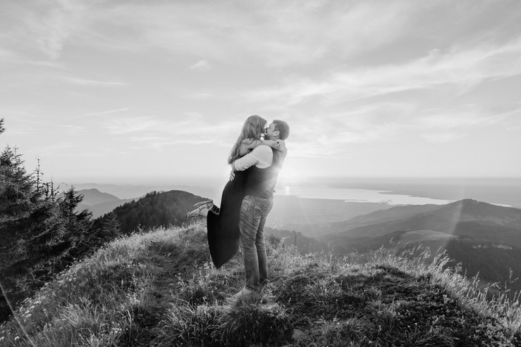 romantic Engagement Photos on the summit of a Mountain in Austria || Bohoray - Adventure Wedding and Elopement Photos by Victoria Ruef || www.bohoray.com || Adventure Weddingphotographer Austria, Europe, Vorarlberg, Bregenzerwald