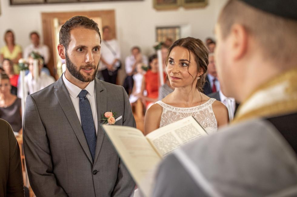 Mitten im Bregenzerwald in der schönen Wendelinskapelle wurde die emotionale Hochzeit gefeiert