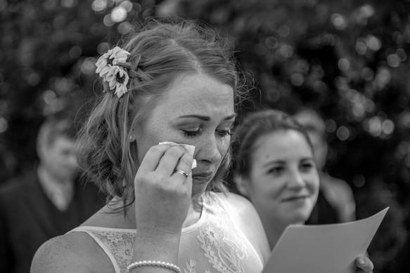 emotionale Freien Trauung in den Weinbergen - Hochzeitsfotografie am Bodensee, in Nonnenhorn in Deutschland || Bohoray - Abendteuer Hochzeitsfotos und Elopementfotografin - Victoria Rüf || www.bohoray.com