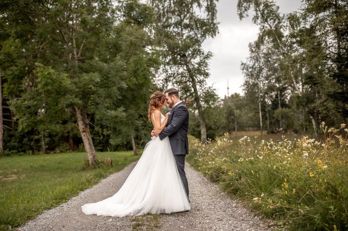 romantische hochzeitsfotos in der natur in der schweiz