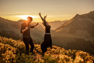 couple dancing in the alps