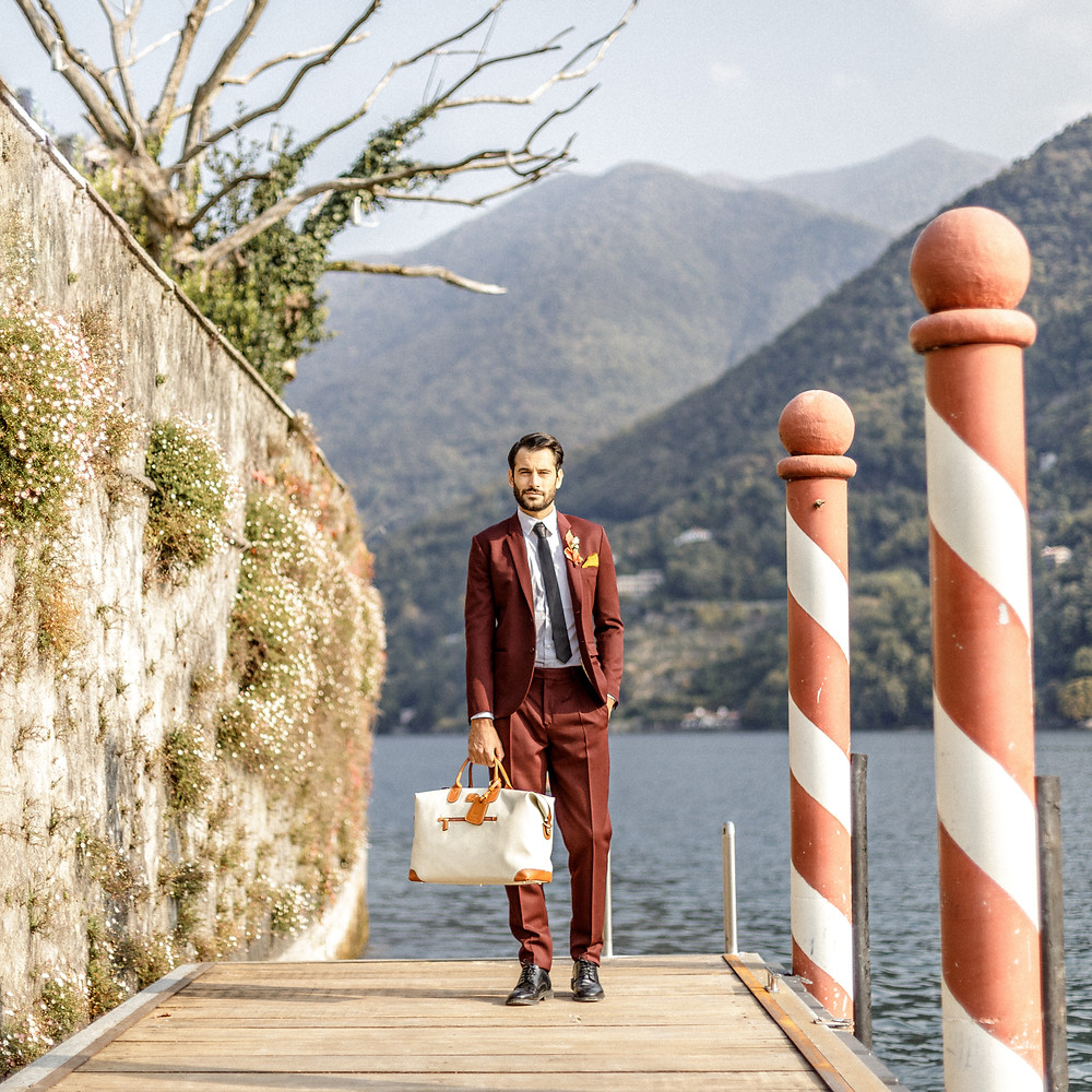 Bräutigam auf dem Steg am Comosee