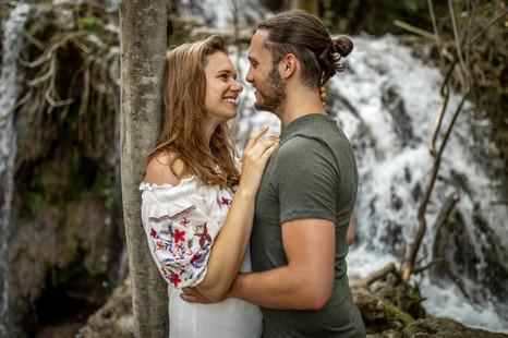 romantic couple in croatia - couple photos from a photographer