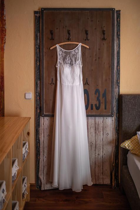 Boho Brautkleid - Hochzeitsfotografie am Bodensee, in Nonnenhorn in Deutschland || Bohoray - Abendteuer Hochzeitsfotos und Elopementfotografin - Victoria Rüf || www.bohoray.com