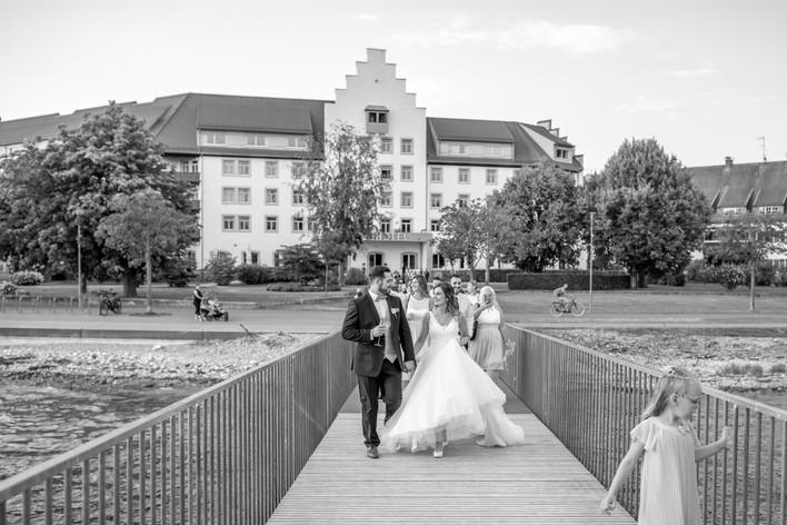 elegante klassische hochzeitsfotos in schwarz weiß