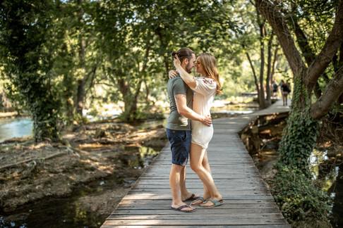 romantische Paarfotos im Krka Nationalpark in Kroatien - Abenteuer Hochzeiten und Elopement Fotograf - Victoria Rüf  || Hochzeitsfotograf Kroatien, Europa