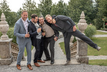 funny group picture by a wedding in austria