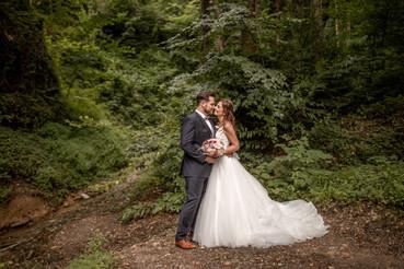 Hochzeitsfotos im wald - elopement fotos in der natur im wald