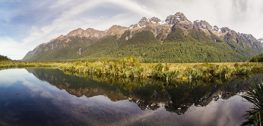 reflection of the Mirror Lake in Fjordland Nationalpark in NEw Zealand
