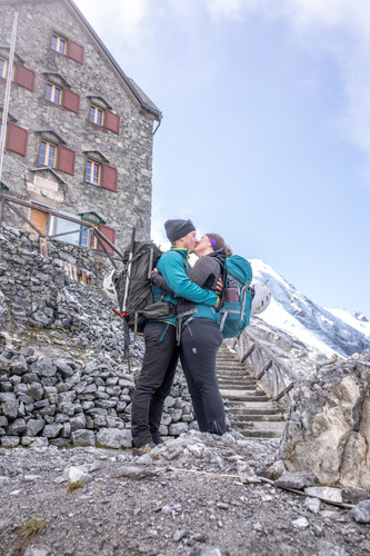 Made it to Payer Hut in South Tyrol || Wild Embrace Photography | Adventure Elopement and Destination Wedding Photographer Austria | Europe || www.wildembrace.photo