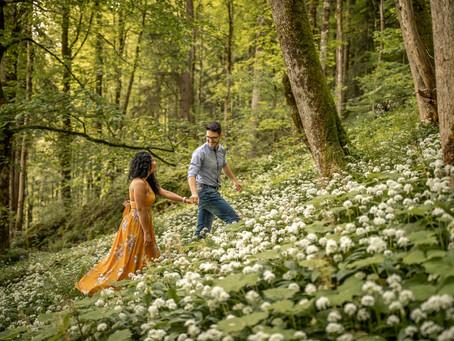 Frühsommerliches Paar Fotoshooting im Bregenzerwald in Vorarlberg