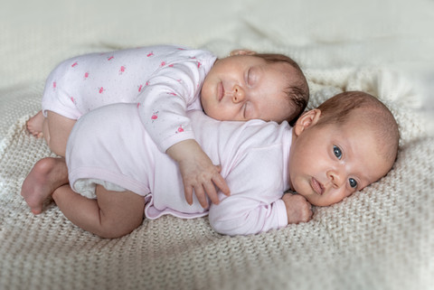 Zwillinge Newborn Fotos