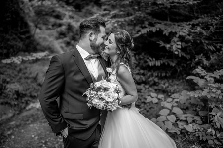 stunning wedding photos from your wedding in black and white