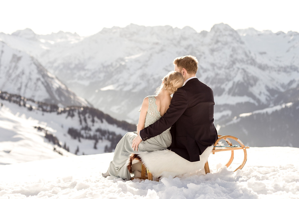 Have a elopement in the snow in Europes mountains