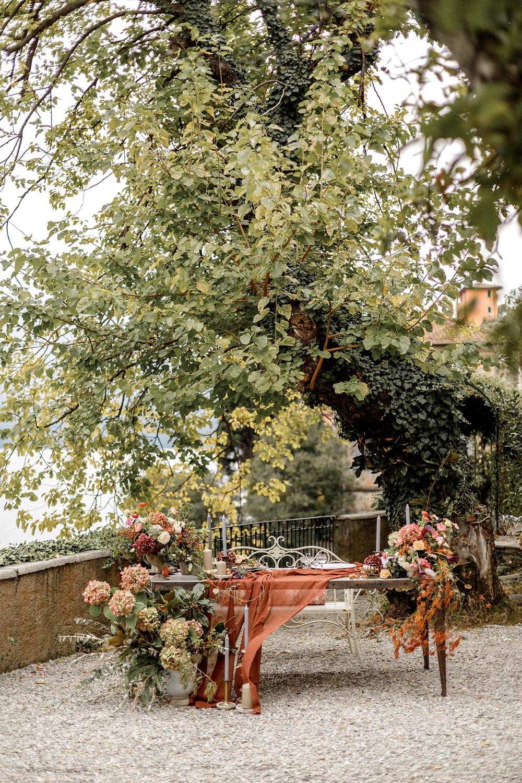 einzigartige Tischdekoration für die Elopement Hochzeit in Italien