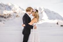 romantische Verlobungsfotos am verschneiten Arlberg