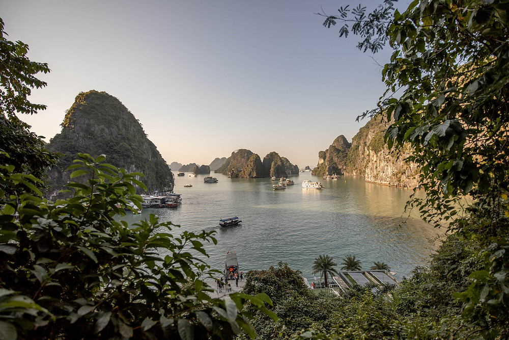 fascinating boat tour in Ha Long Bay in Vietnam