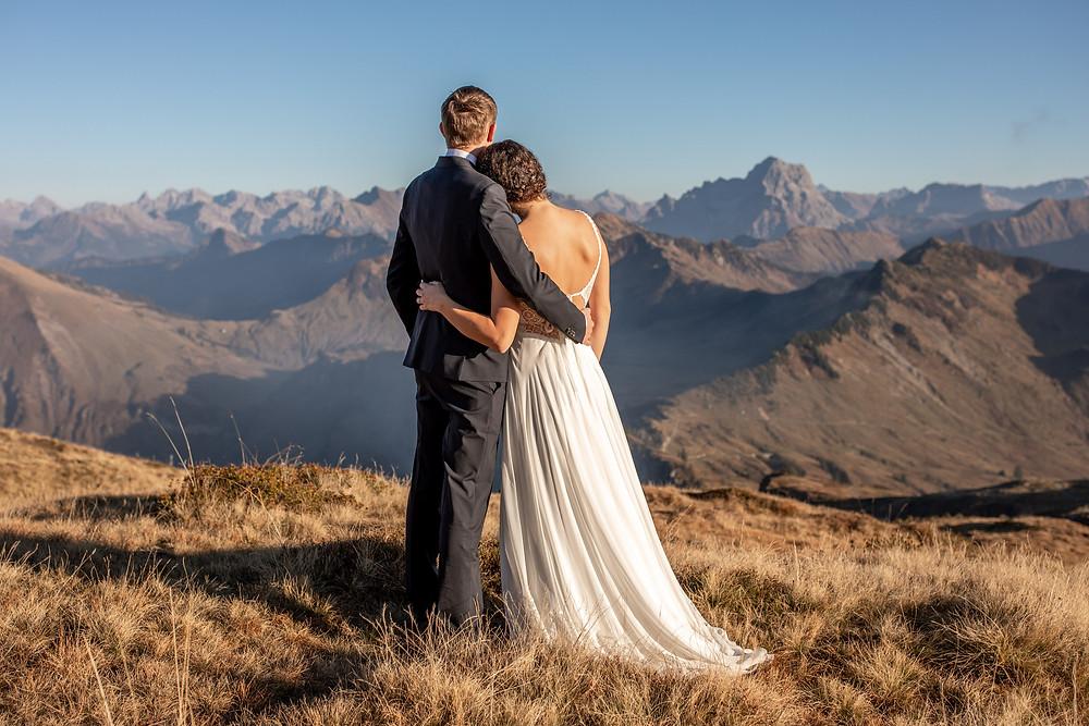 After Wedding Fotos in den Bergen Österreichs - Hochzeitsfotografin Vorarlberg