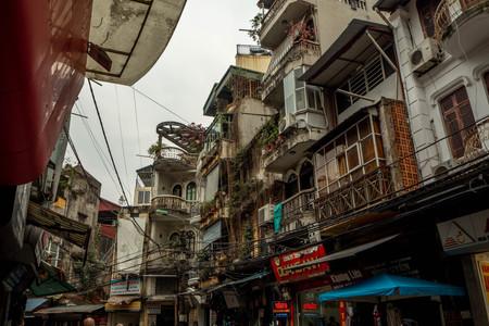 chaotic city of Hanoi in Vietnam