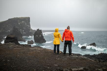 Beeindruckende Paarfotos in Island, Europa || Bohoray - Abenteuer Hochzeitsfotografin Island -Victoria Rüf || www.bohoray.at