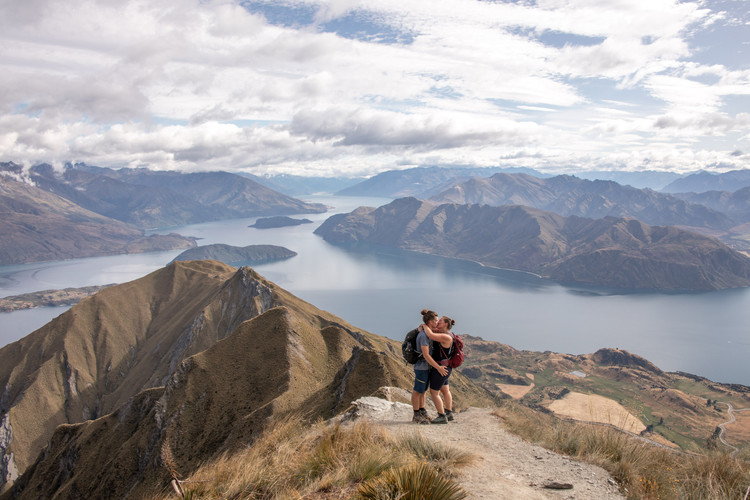 Selfportrait at Roys Peak, Wanaka, New Zealand || Wild Embrace Photography | Adventure Elopement and Destination Wedding Photographer || worldwide || www.wildembrace.photo