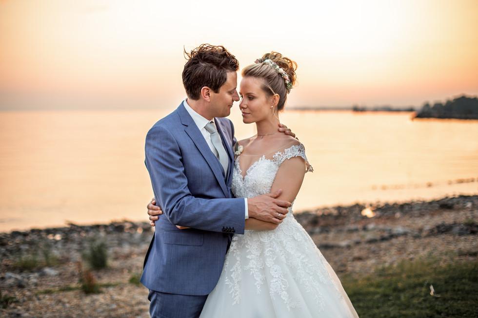 traumhafte Hochzeitsfotos am Bodensee bei Sonnenuntergang