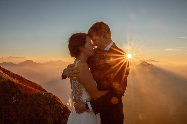 Epic Wedding Photos in the Austrain Mountains || Wild Embrace Photography | Adventure Elopement and Destination Wedding Photographer Austria | Europe || www.wildembrace.photo