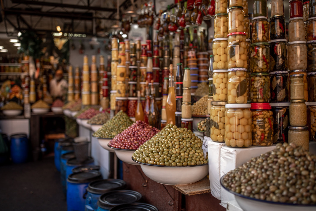 full Market Stand in the medina of Marrakech | Travel and Landscape Photography in Morocco Africa || Bohoray - Adventure Elopement and Wedding Photographer - Victoria Ruef || www.bohoray.com
