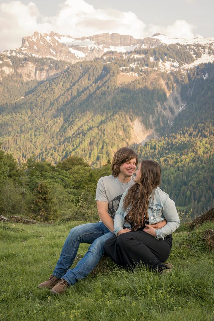 Das sind wir, Victoria Rüf und Fabian Willi. Wild Embrace Fotografie Abenteuer Elopement und Auslandshochzeit Fotografen in  Österreich, Europa und weltweit. www.wildembrace.photo