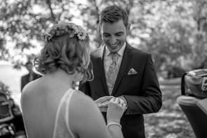 putting the ring on the finger