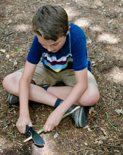 Whittling with specialist knives
