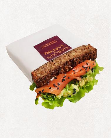 сэндвич с лососем и авокадо.jpg