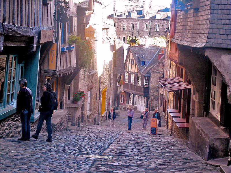Rue Jezzebel, Dinan
