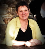 Book a healing session or learn Reiki with Peta Morton, Reiki Master and spiritual teacher