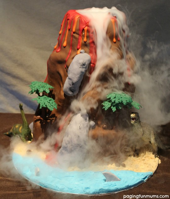 Dinosaur-Volcano-Cake-So-many-levels-of-