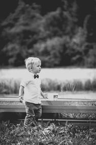 Junge im Feld